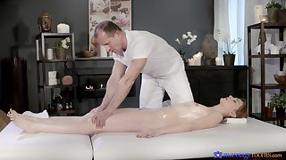 Full beat on apex of the masseur's cock here scenes of flawless riding