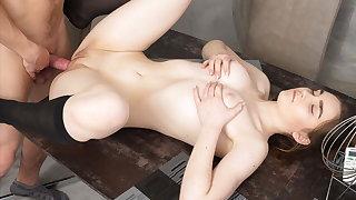 18 Videoz - Nasty - Teeny fucked by her plumber